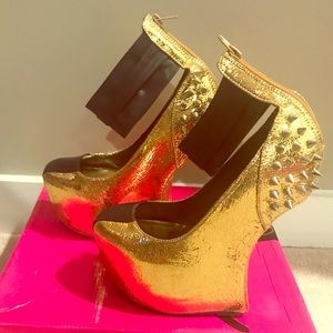 Black and Gold Ankle Strap Heel-less Shoes